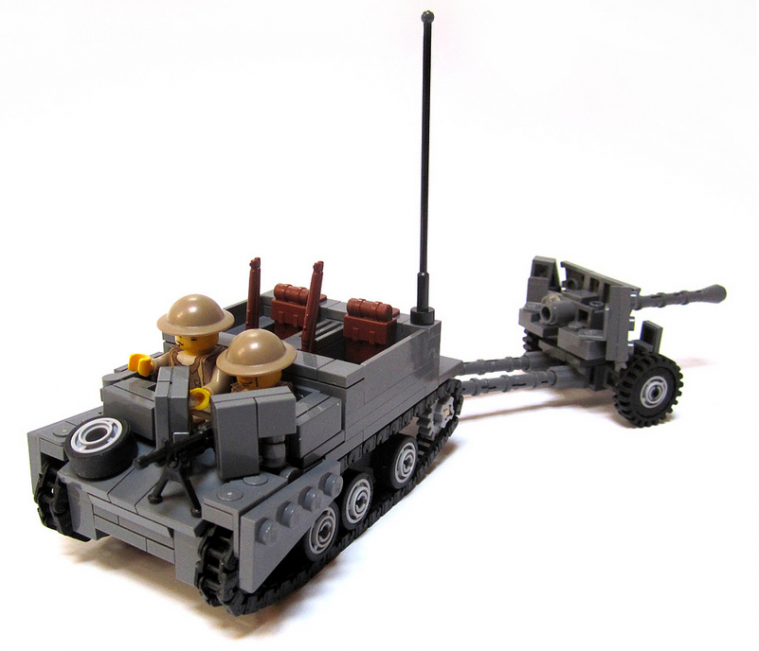 Universal Carrier II with 6-Pounder