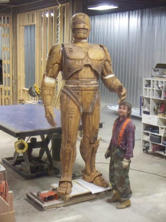 Statua di Robocop a Dretroit - 001