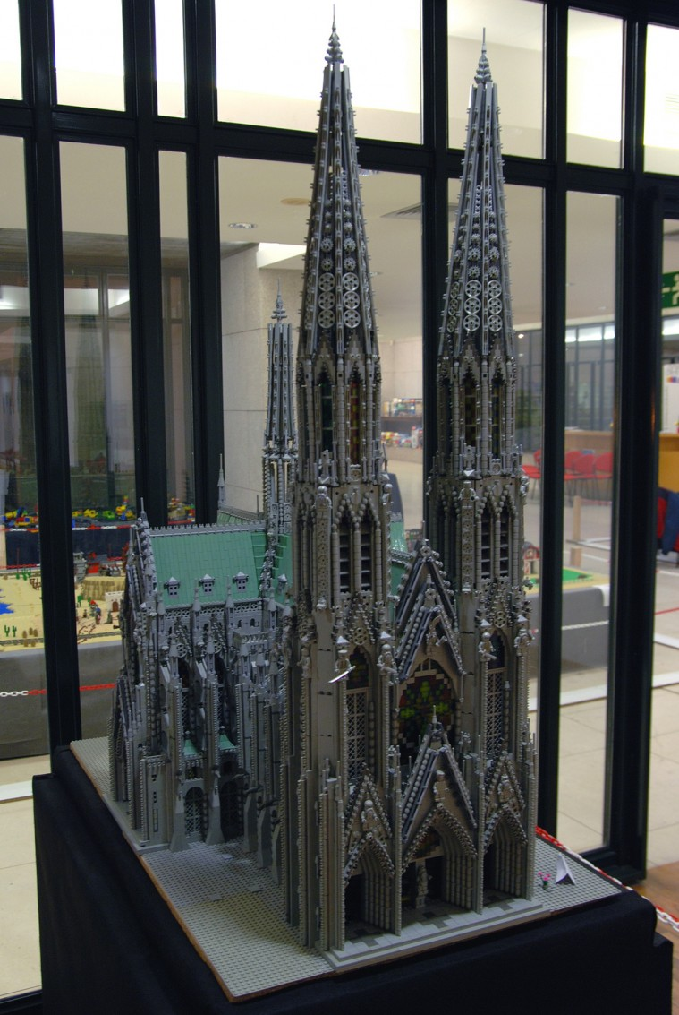 Lego Cathedral of St Macário - 001