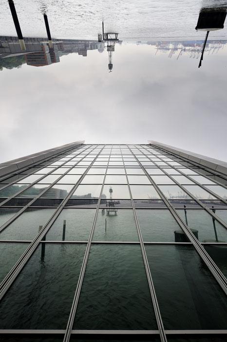 Orig-Building-D-HH-Dockland-Glass-Wall-'10-WF