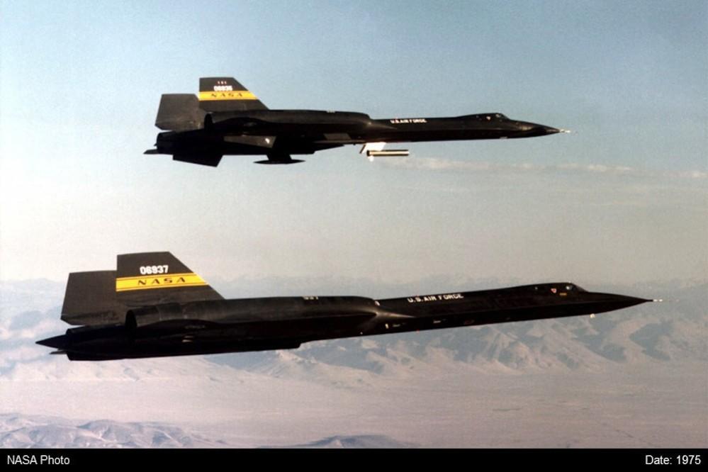 YF-12A-60-6935-+-61-7951