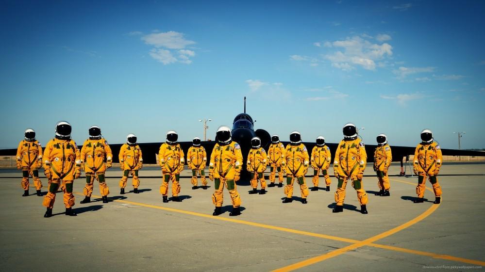 lockheed-u2-pilots-in-full-pressure-suits