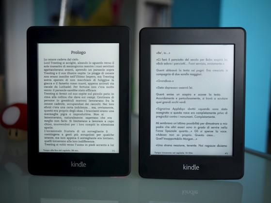 A sinistra, Paperwhite 2013, a destra, Paperwhite 2012.