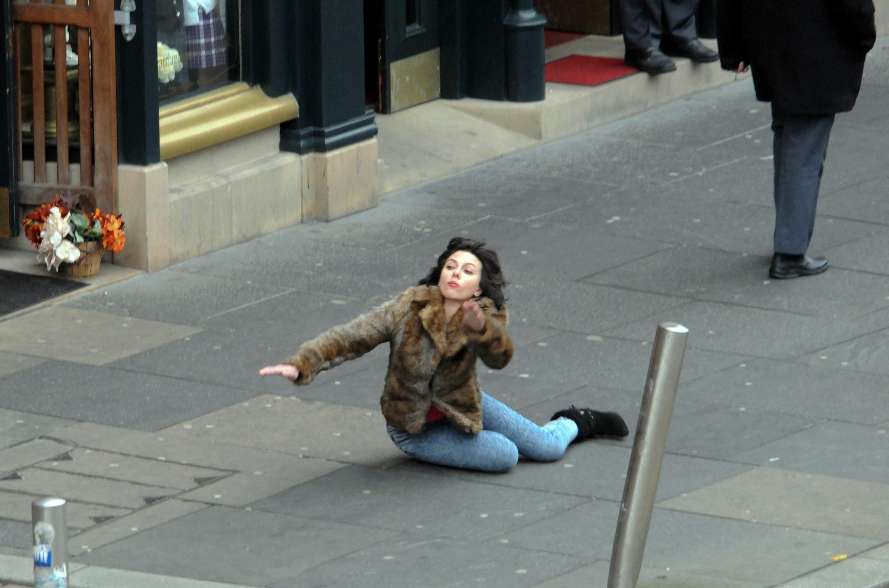 Scarlett Johansson Falls Down