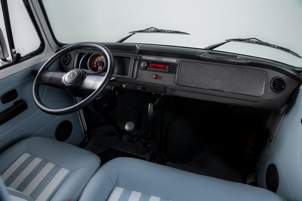 Volkswagen Microbus Kombi Last Edition_01