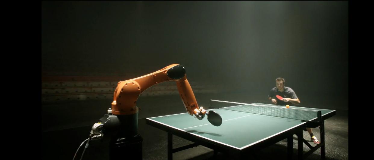 The Duel: robot contro umano a ping pong