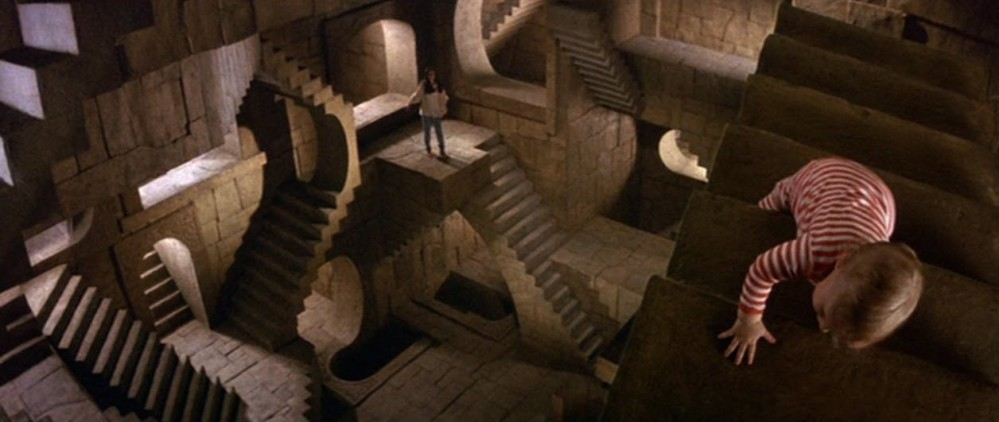 Labyrinth-escher toby