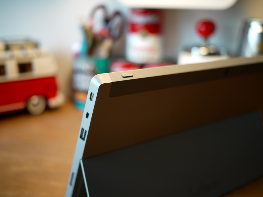 Surface 220