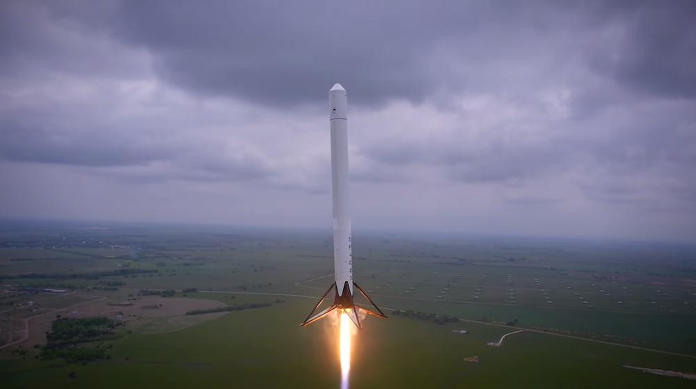 Il primo volo del Falcon 9 Reusable