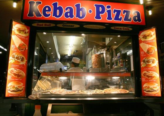 Wien_Bellaria_Kebab_Pizza_Dez2006