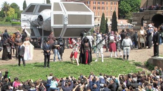 imperiali, jedi, sith, cloni, Leia, Padmé, Vader... c'erano tutti