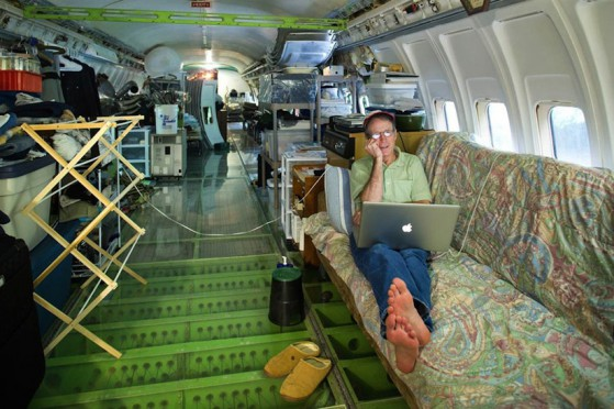 The_Airplane_Home_Projekt_by_Bruce_Campbell_2014_09
