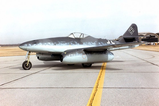 800px-Messerschmitt_Me_262A_at_the_National_Museum_of_the_USAF