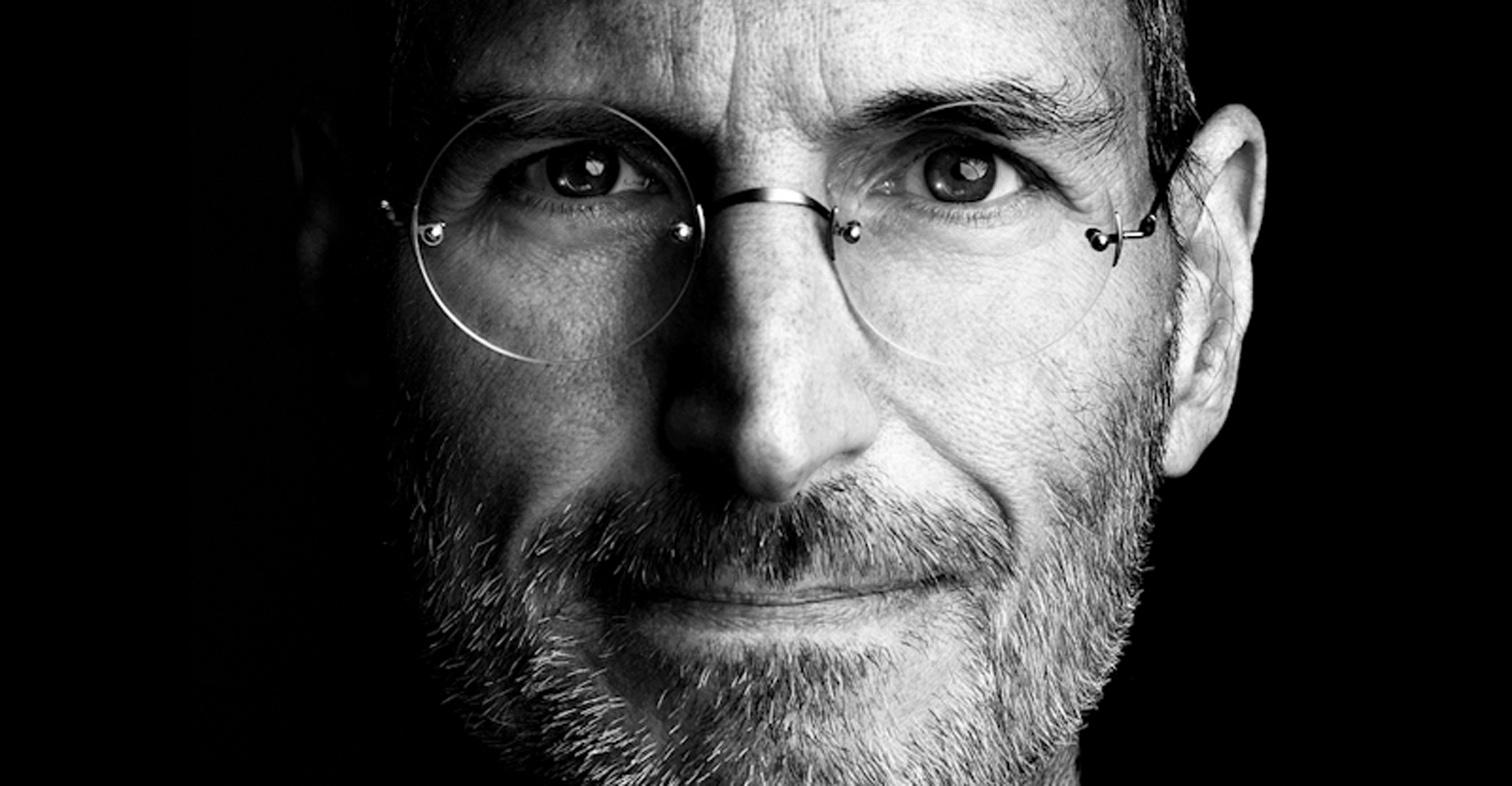 Steve Jobs: all'asta la sua giacca e un biglietto da visita