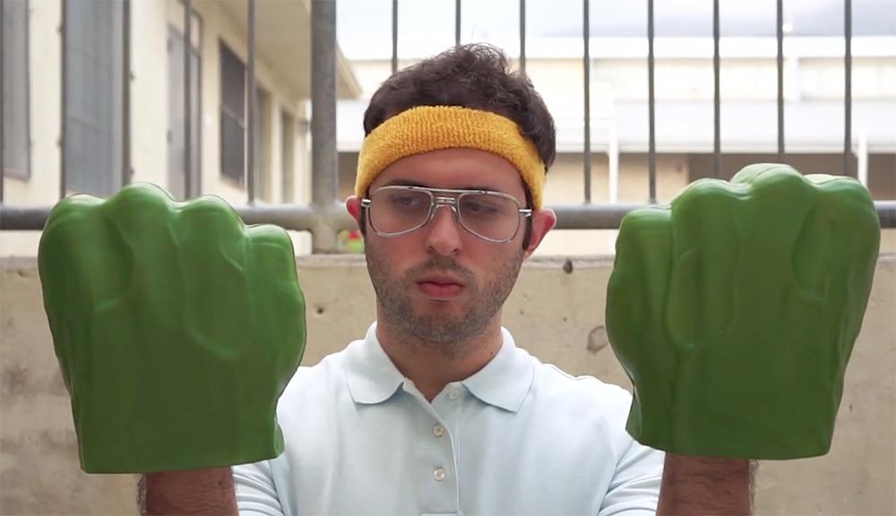 The Incredible Hulk Hands - Cortometraggio