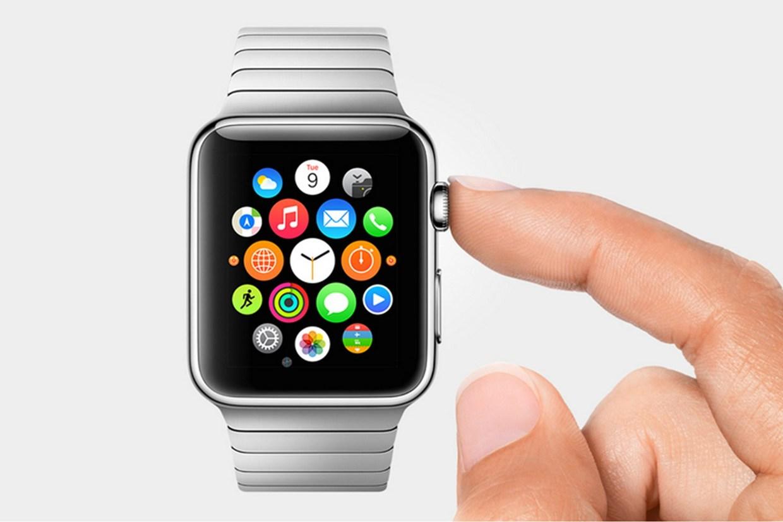 Investe un 24enne e fugge dal luogo dell'incidente, l'Apple Watch chiama i soccorsi