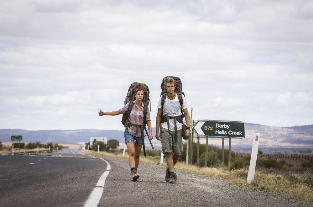 Wolf-Creek-2_Shannon-Ashlyn-as-Katarina-and-Phillipe-Klaus-as-Rutger_on-road-hitchhicking-1