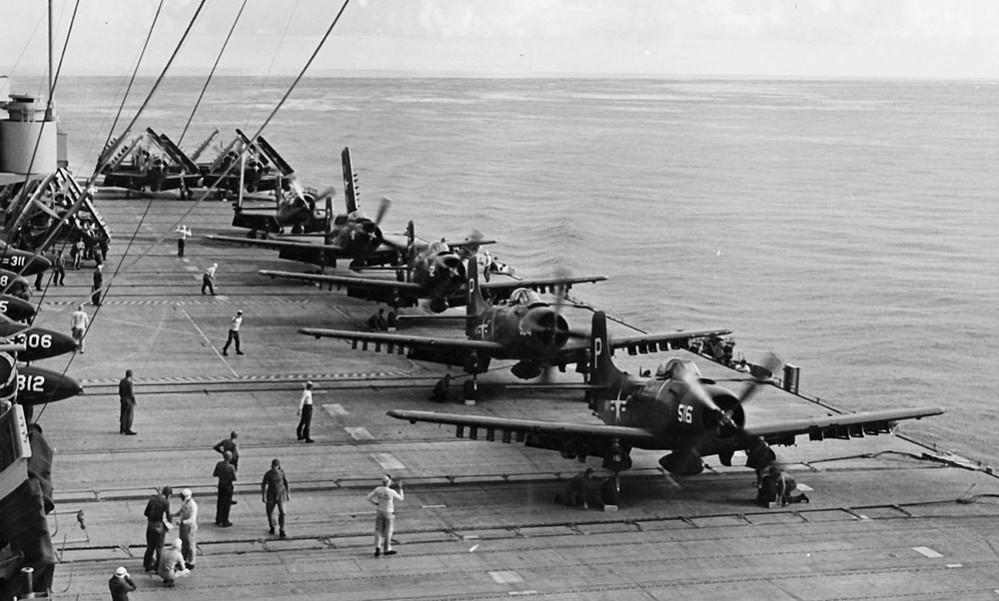 AD-4s_VA-105_on_USS_Randolph_(CVA-15)_1953