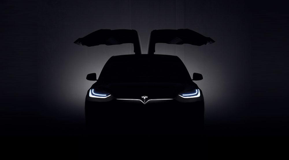 Tesla Model X, il SUV elettrico di Elon Musk