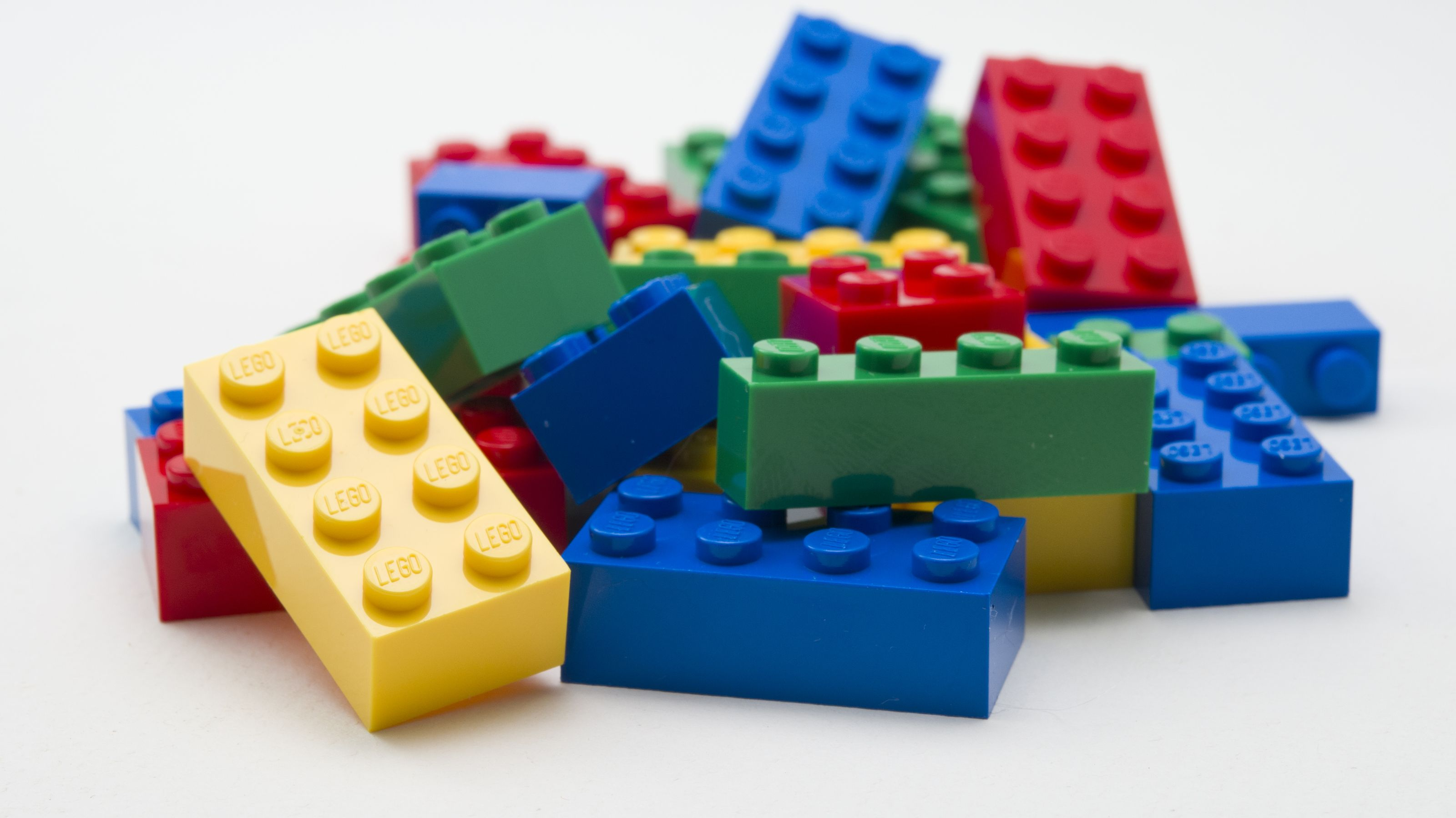 Lego Robot vs cubo di Rubik