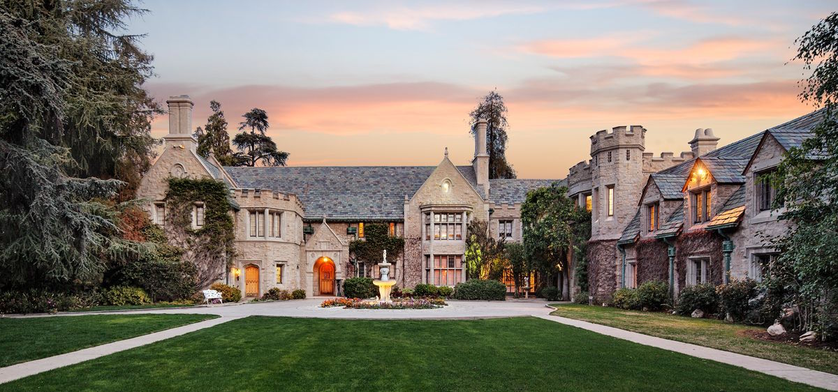 La Playboy Mansion è in vendita