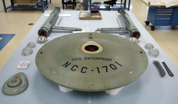 USS Enterprise smontata