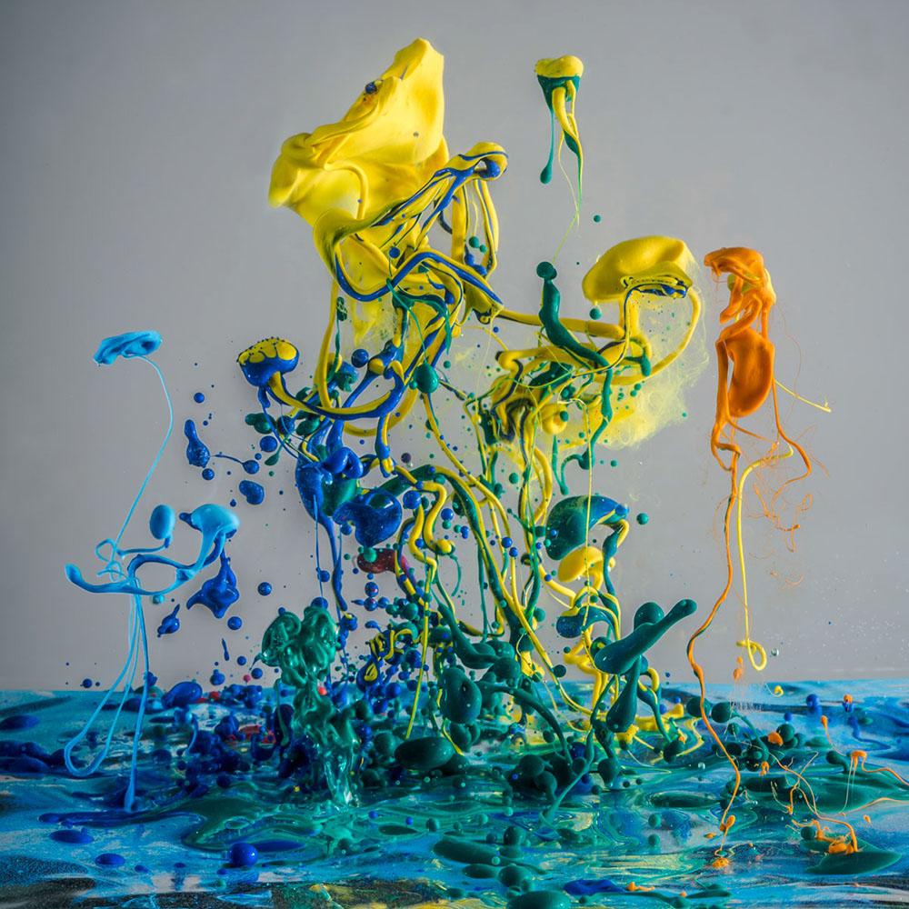 Baroque Worlds, le colorate fotografie cinetiche di Harald Klingenberg
