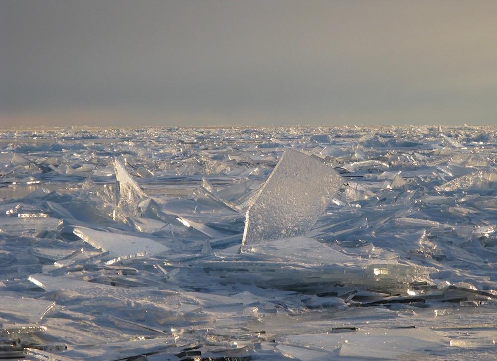 Le infinite scaglie di ghiaccio di Lake Superior