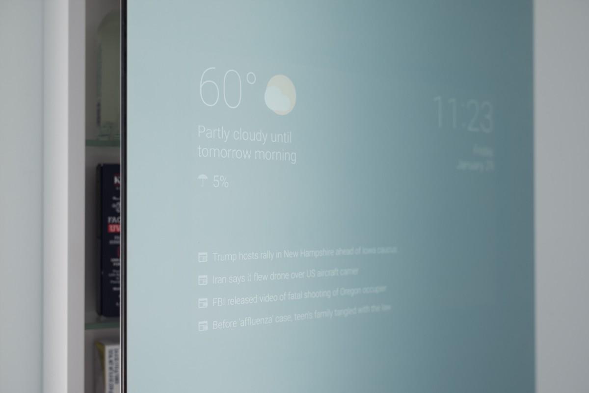 Lo specchio da bagno con Google Now