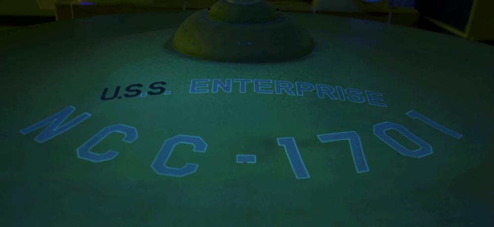Fluorescenza UV della USS Enterprise
