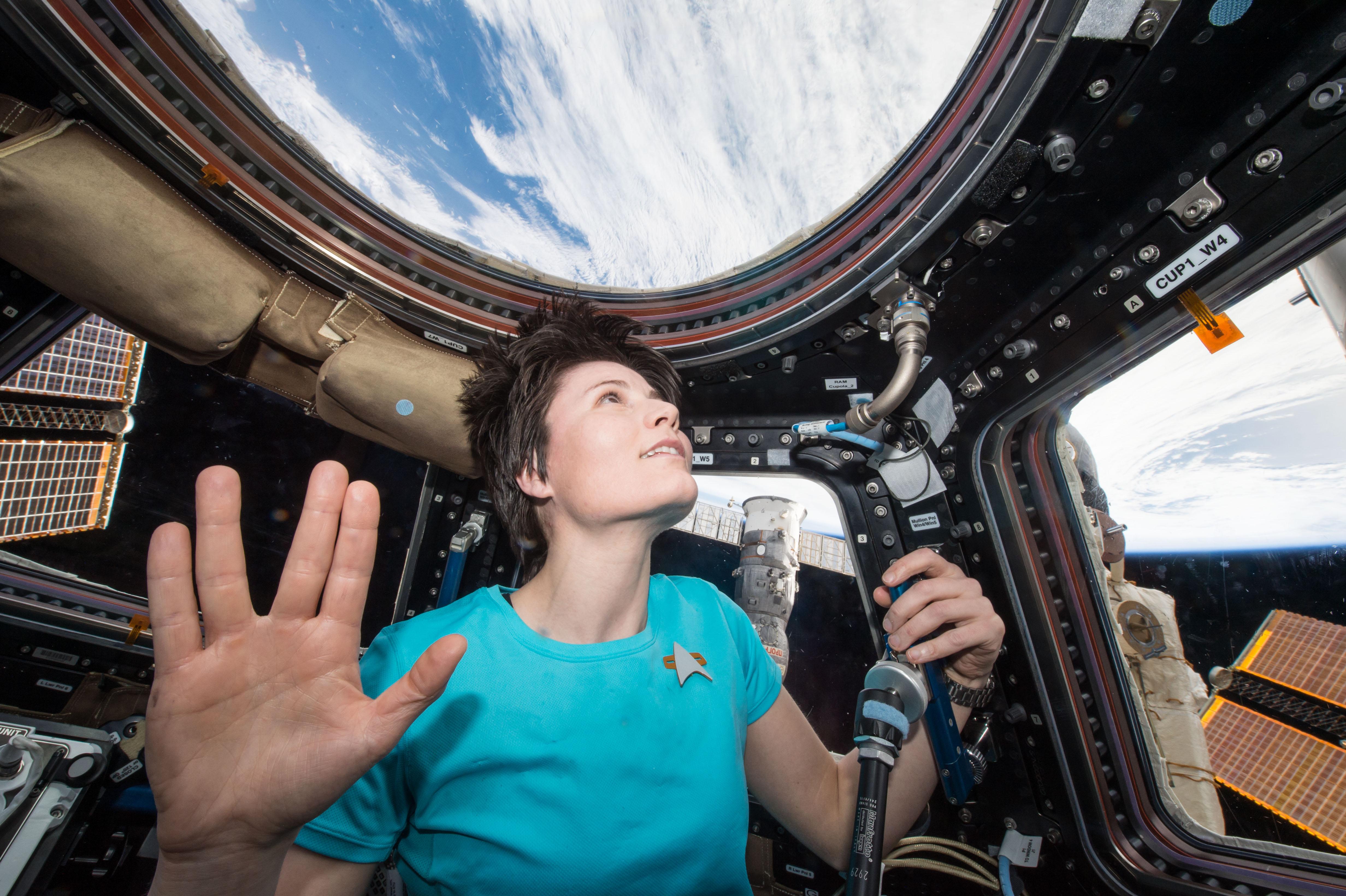 Vivere nello spazio: come si dorme, mangia e respira