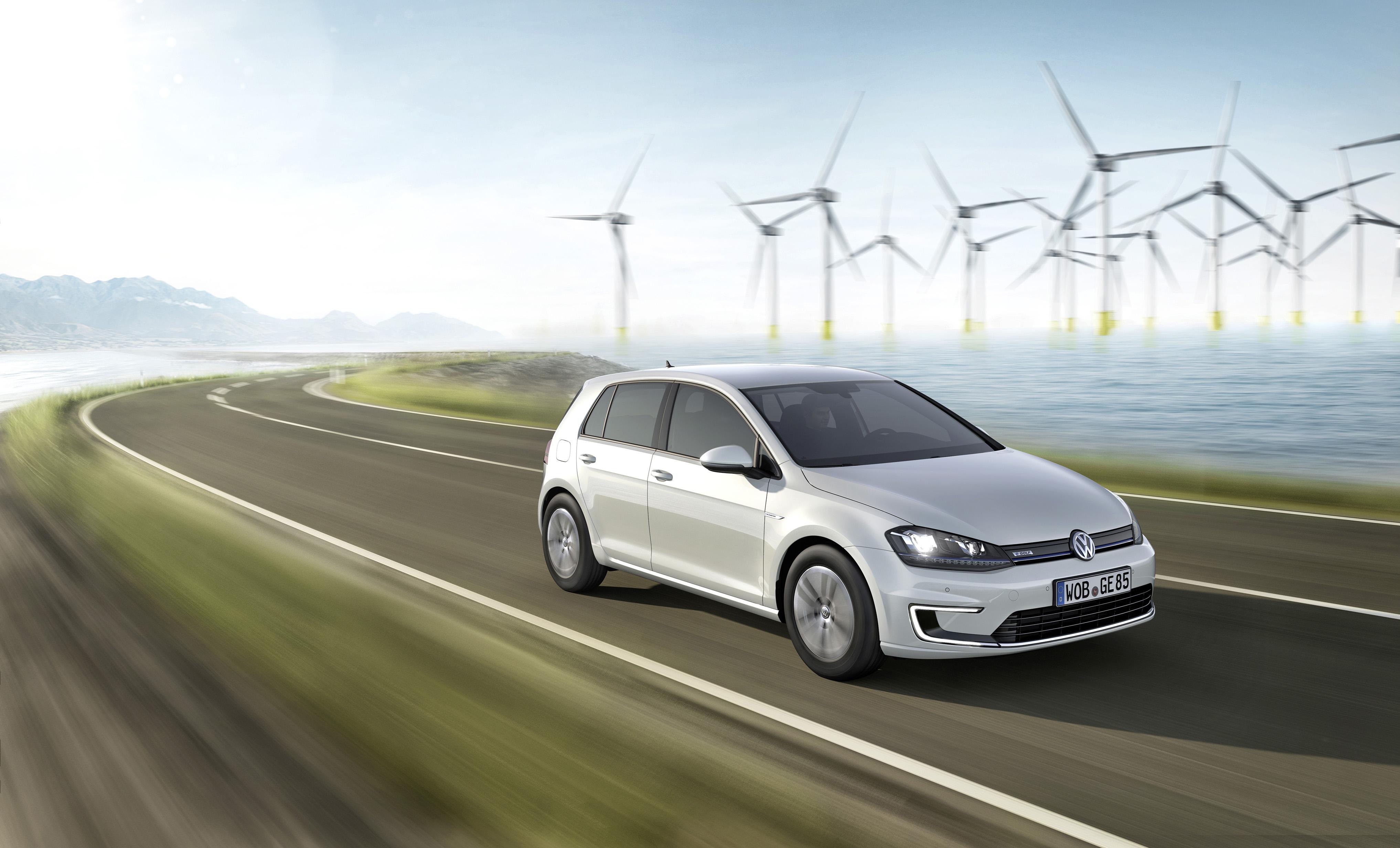 Volkswagen richiama 5000 Golf elettriche