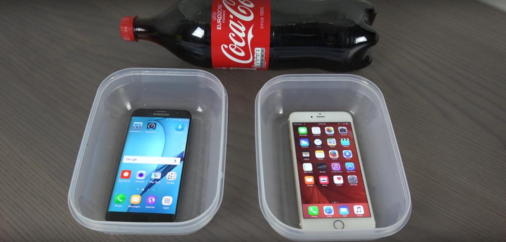 Galaxy S7 Edge e iPhone 6s Plus: Coca-Cola Test