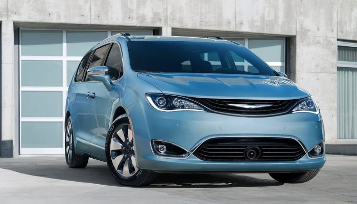 2017-Chrysler-Pacifica-plug-in-hybrid-EV16-1