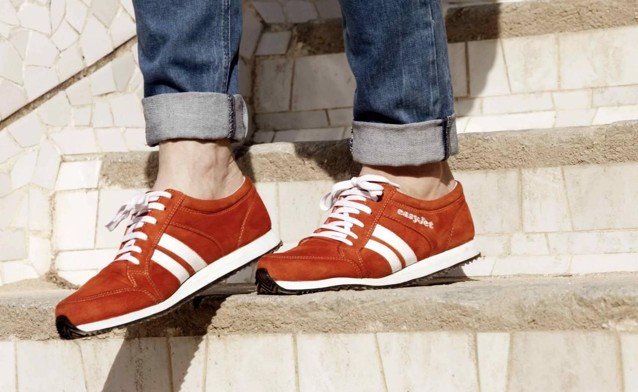 Sneakairs, arrivano le scarpe smart che indicano la strada
