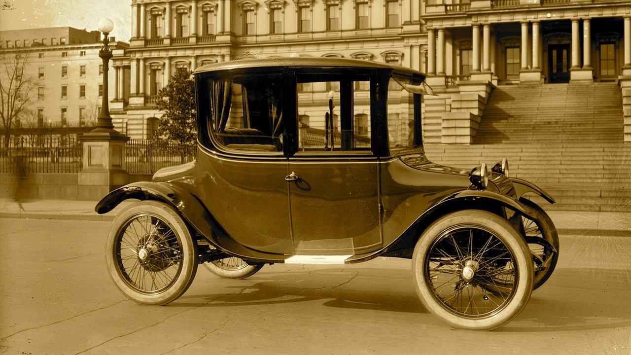 Nascita, morte e resurrezione dei veicoli elettrici