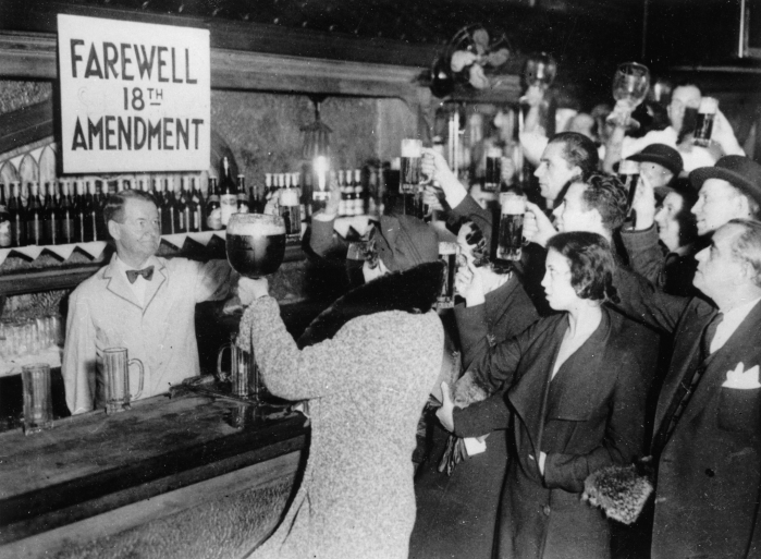 UNITED STATES - CIRCA 1933: People of New York are celebrating the end of the Prohibition with beer. Photograpg. 1933. (Photo by Imagno/Getty Images)