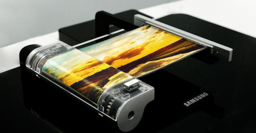 Samsung mostra un prototipo di smartphone flessibile