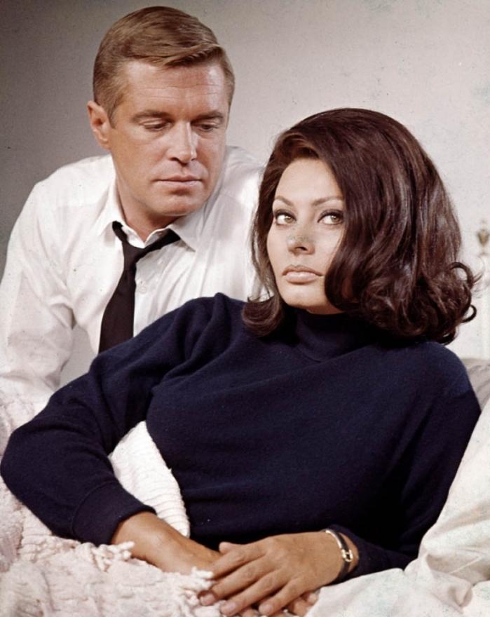 "Sofia Loren e George Peppard nel film ""Operazione Crossbow"""