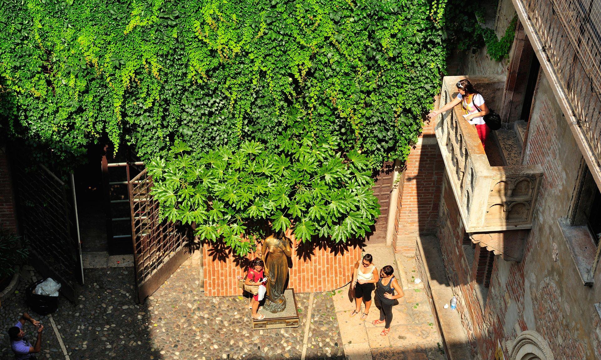 Unioni civili gay anche sul balcone di Romeo e Giulietta