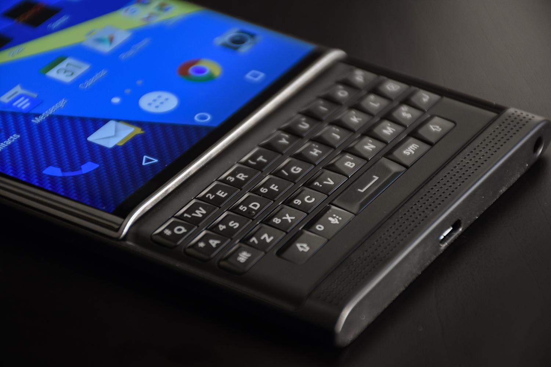 BlackBerry sta (ri)tornando, nuovi smartphone con tastiera fisica nel 2021