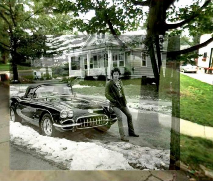 Questa foto di Bruce Springsteen seduto sul cofano di una Corvette è stata scattata a Haddonfield (New Jersey) nel 1978.