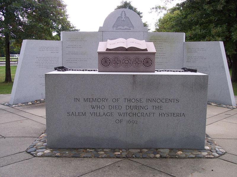 memoriale-salem-leganerd