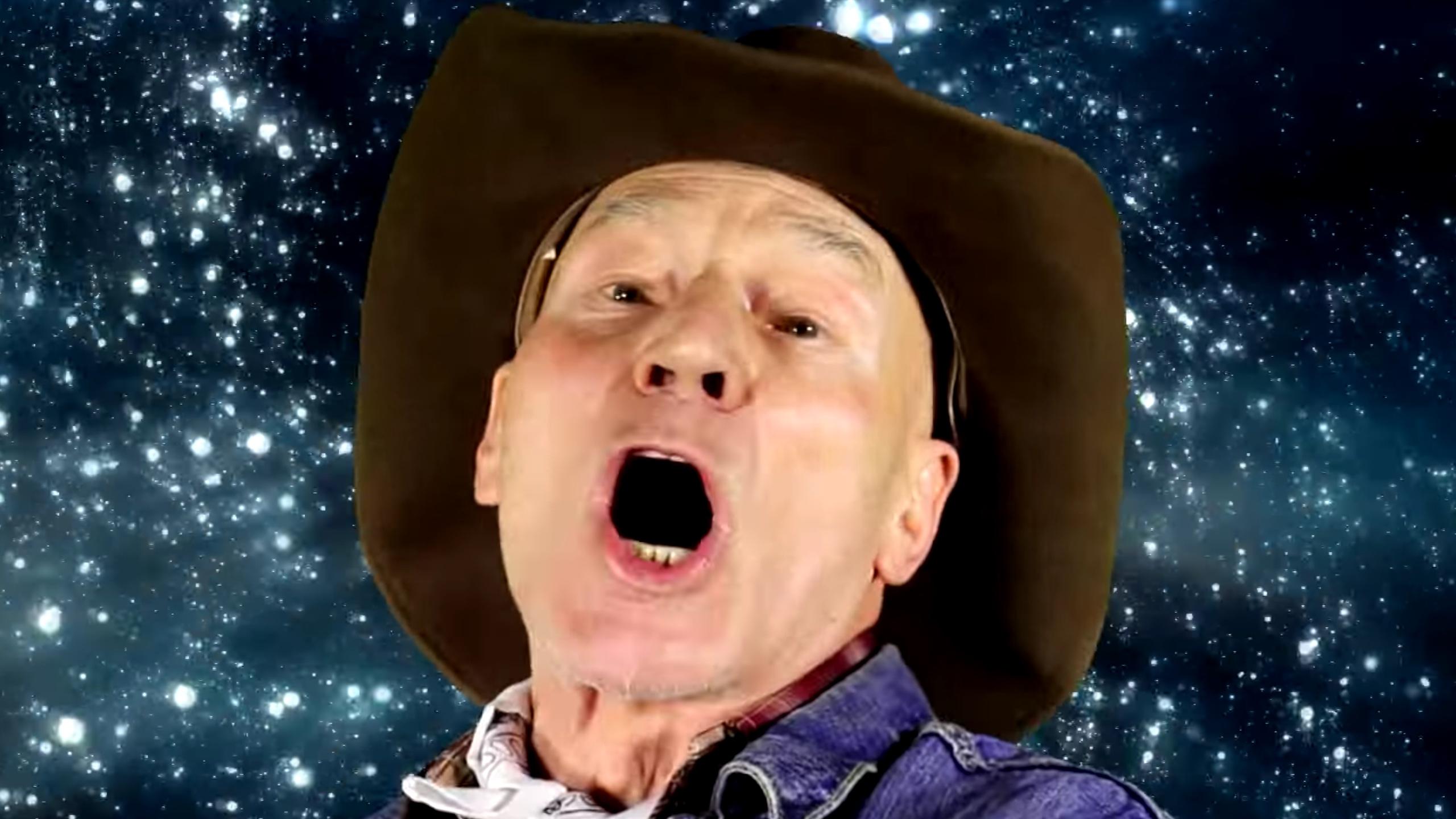 Sir Patrick Stewart diventa il più grande cantante-cowboy di sempre
