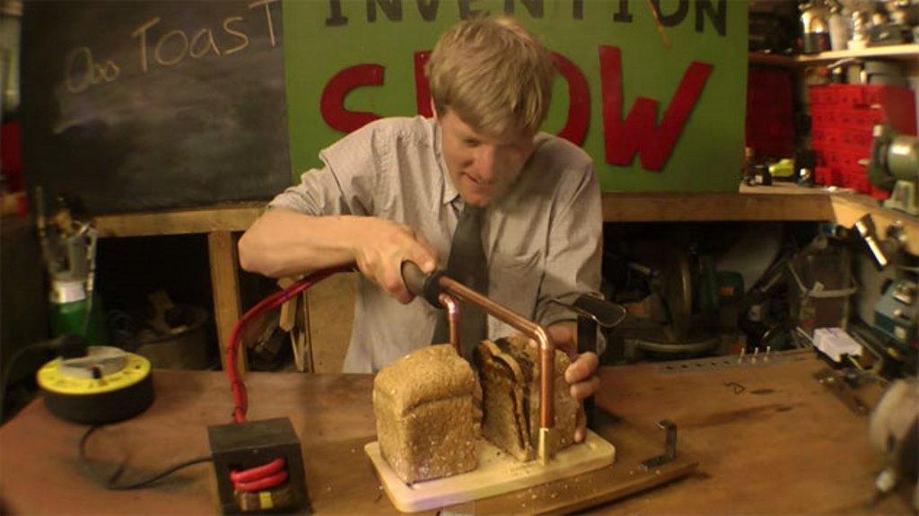 Colin Furze e il coltello che tosta il pane