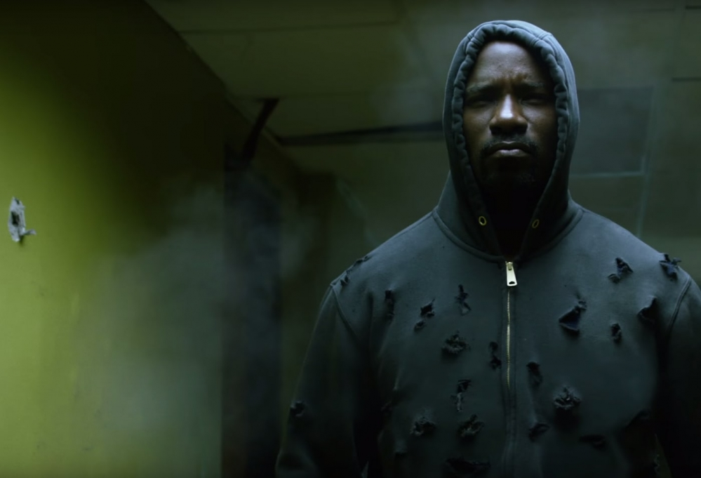 hero-for-hire-luke-cage-smashes-all-in-netflix-s-first-trailer-unveiled-at-comic-con-lu-1068165