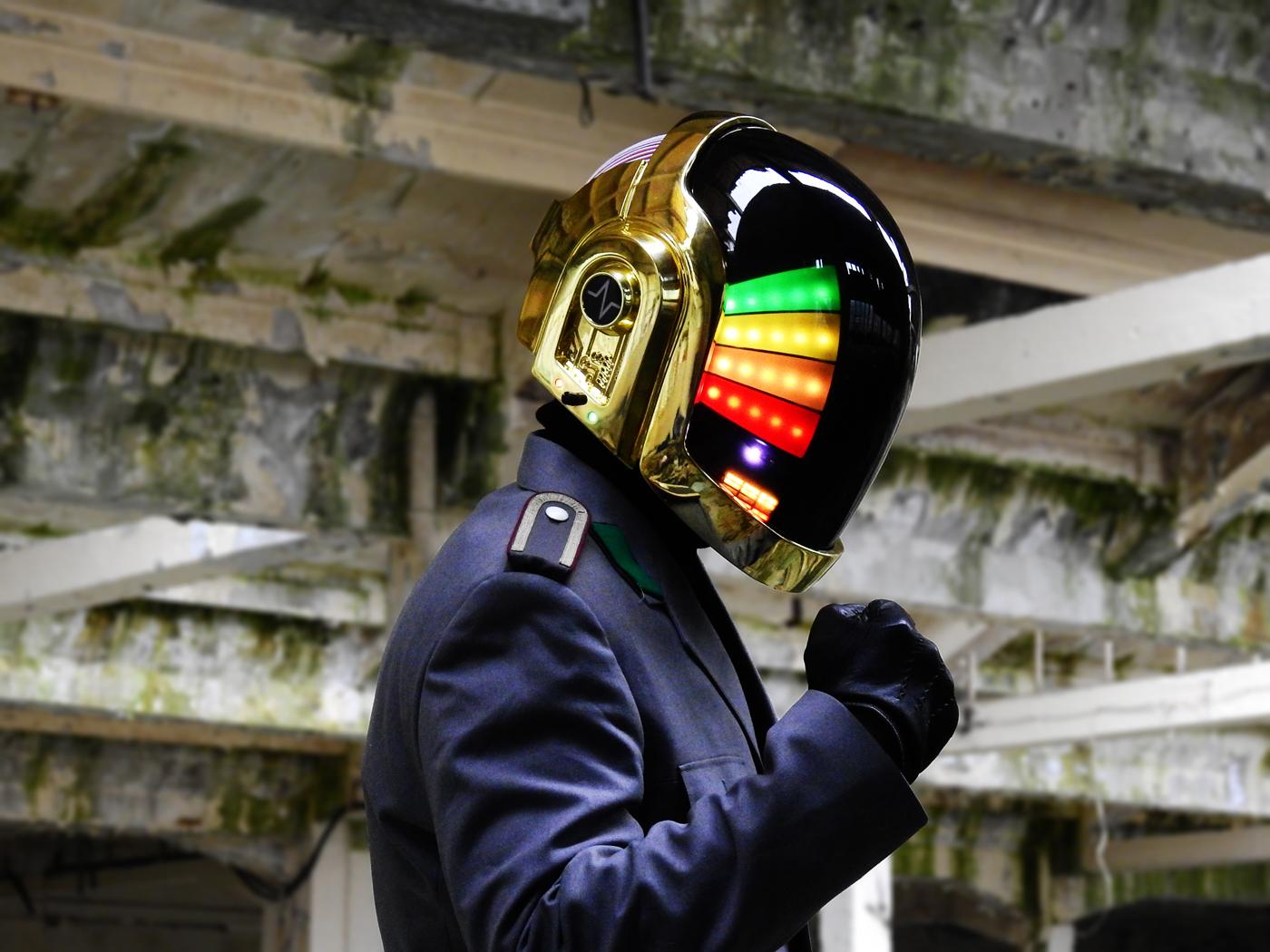 L'elmetto dei Daft Punk fai da te