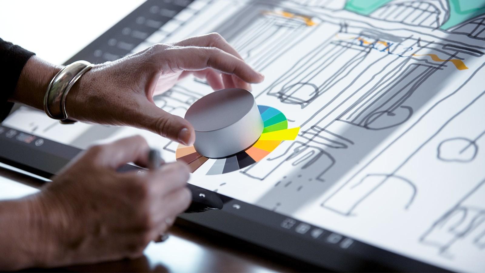 Microsoft Surface Dial, l'accessorio per Surface Studio