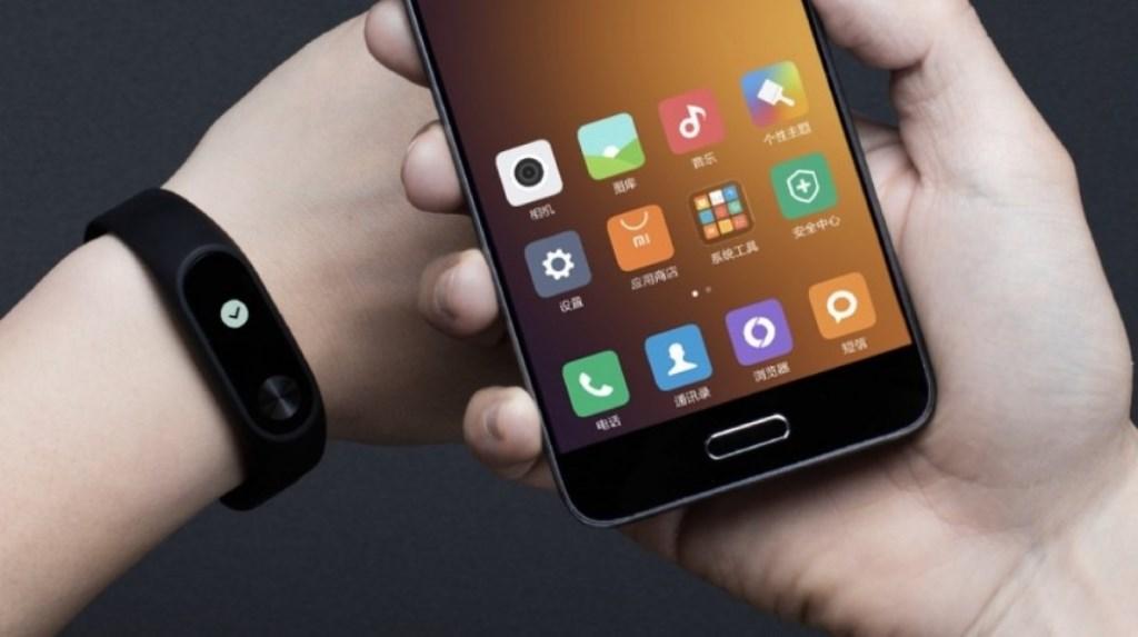 Xiaomi Mi Band 2 e Mi Fit, aggiornamenti firmware e software