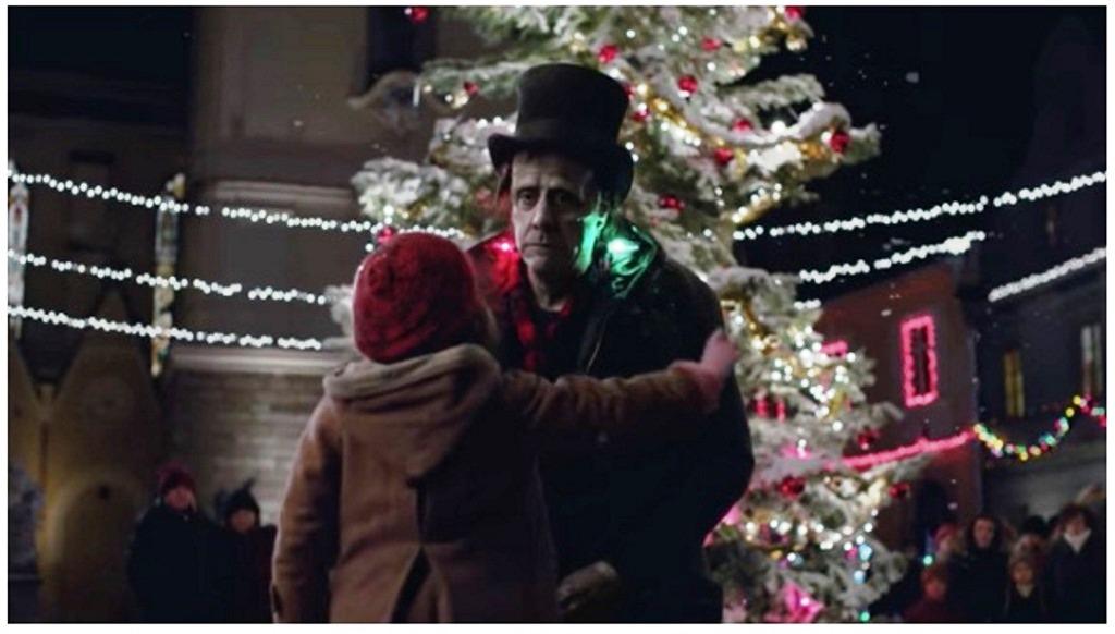 Apple, Frankie's Holidays è lo spot di Natale 2016